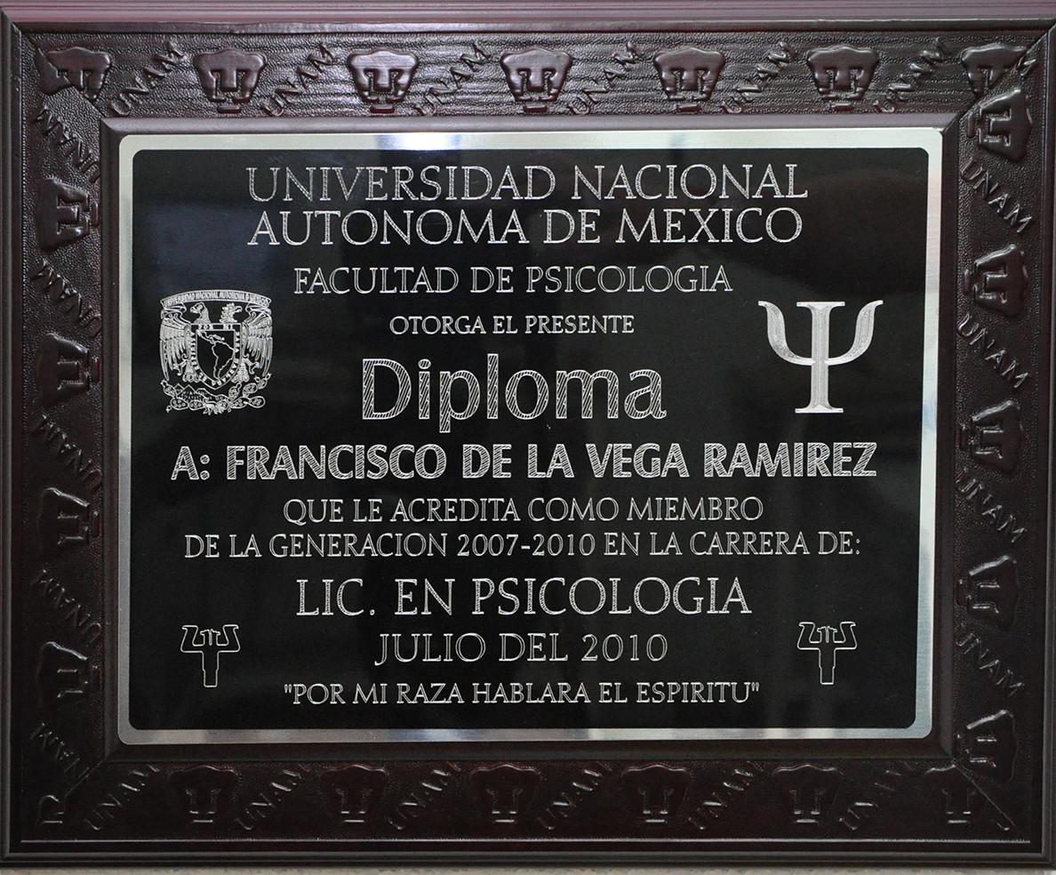 Diploma Marco UNAM | Graduaciones México www.Graduacion.com.mx